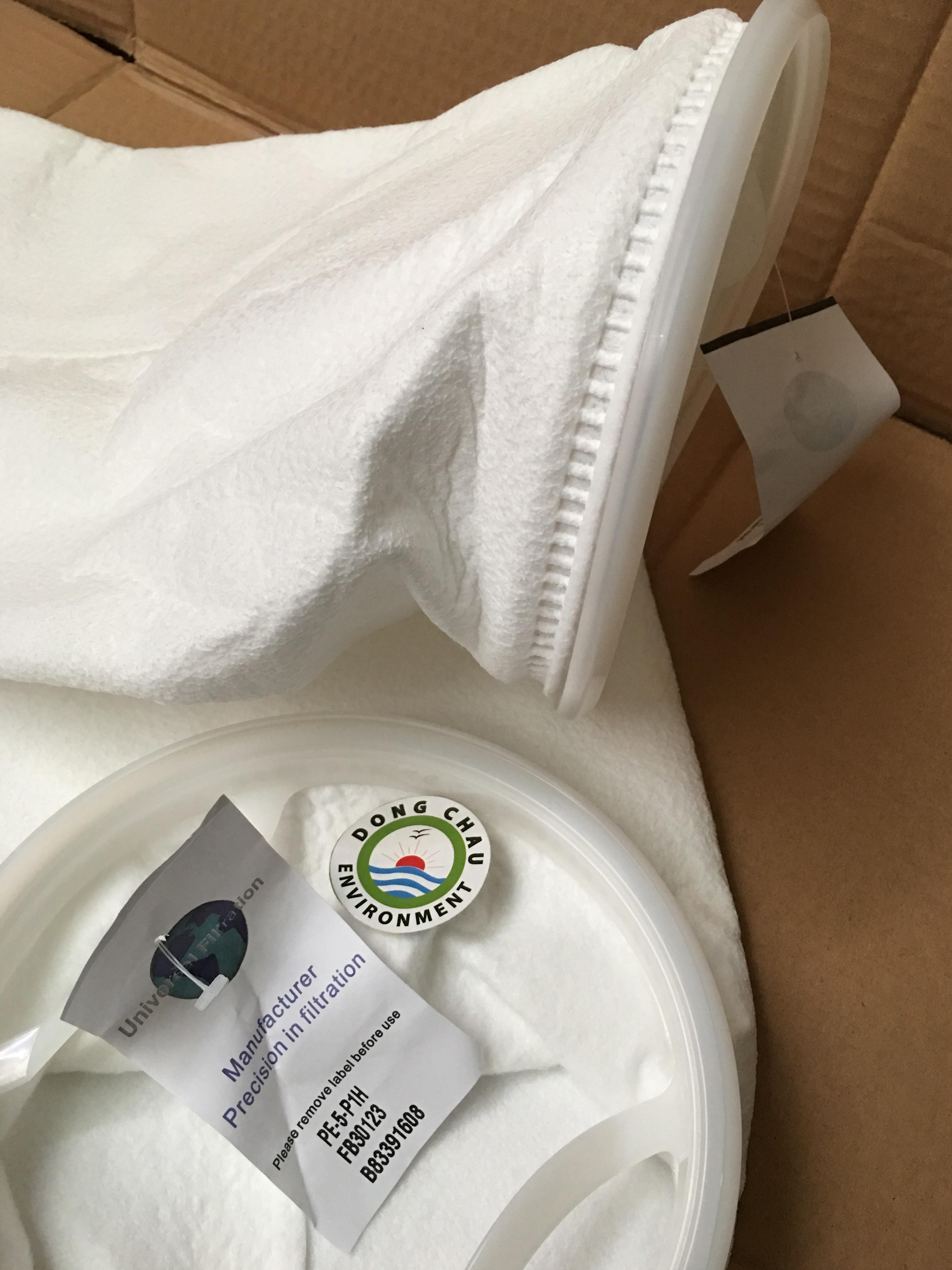 Túi lọc PE 5 micron size 1 vòng miệng ép nhựa khi hàn có thể đạt được hiệu quả chống thấm nước.
